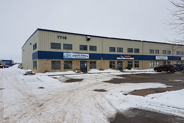 TruckPro : Central Alberta Heavy Duty Repair - Garage